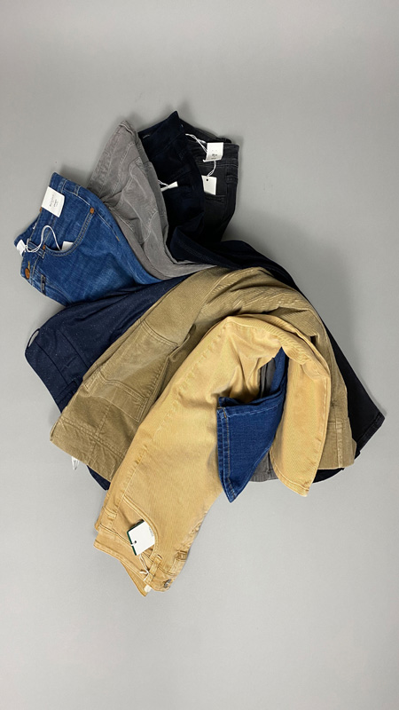 Grosse Auswahl diverser Hosen, Closed