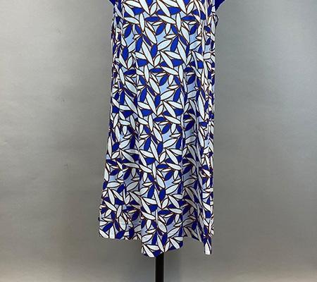 03 Kleid mit Print Anna Sarevalli