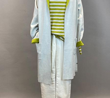 23 Mantel / Shirt / Jeans Milano Italy / Closed
